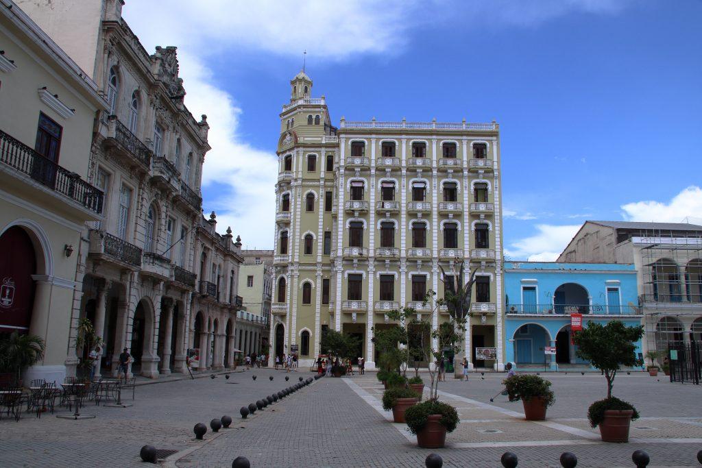 Cuba Buildings 8