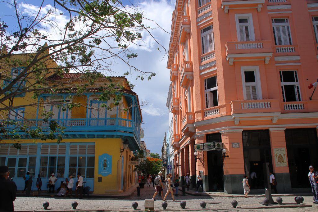 Cuba Buildings 31