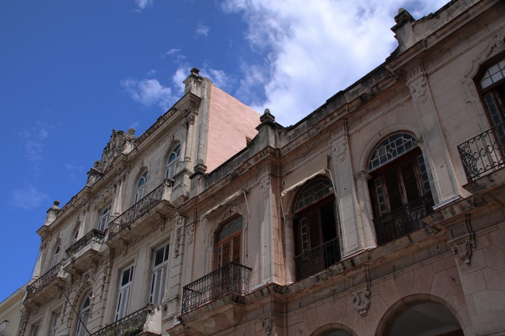 Cuba Buildings 33